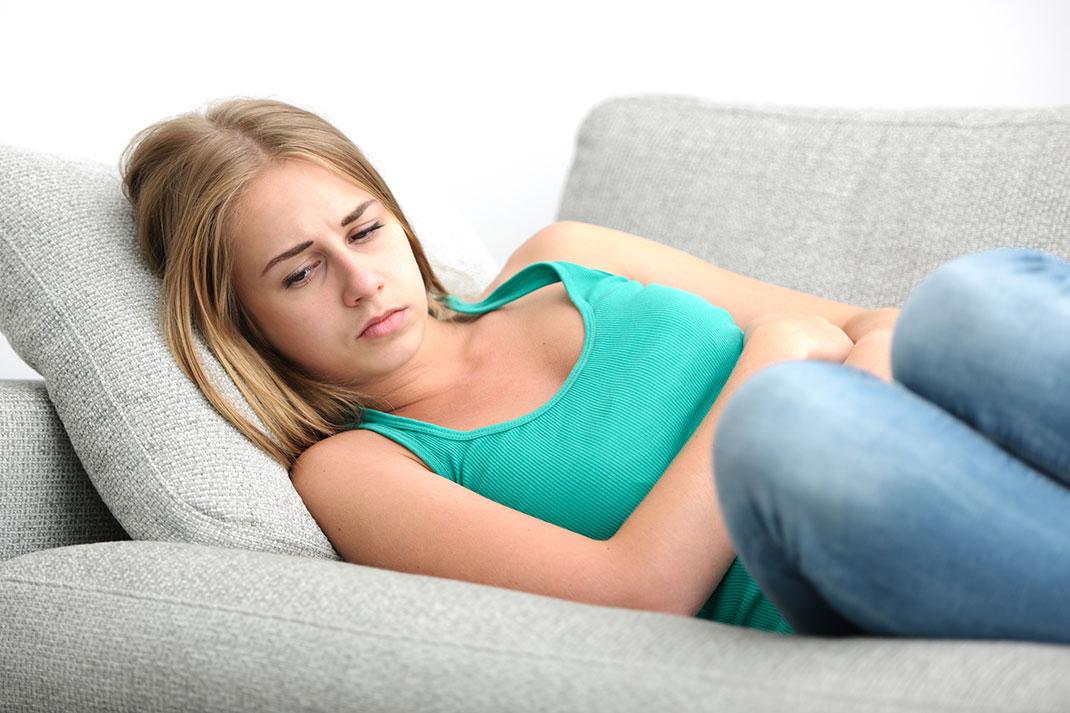 Kronična vnetna črevesna bolezen (KVČB) in simptomi
