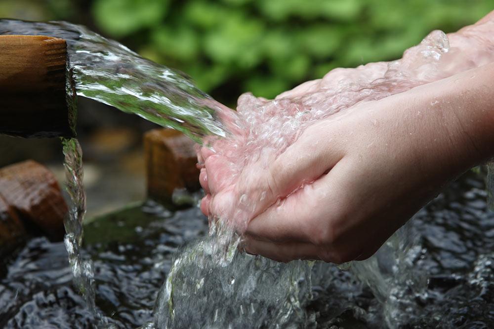 Voda razstruplja