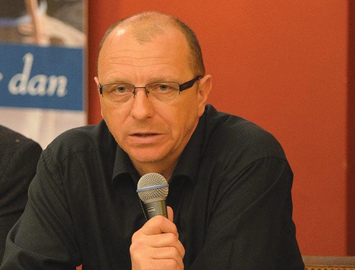 dr. Matjaž Fležar